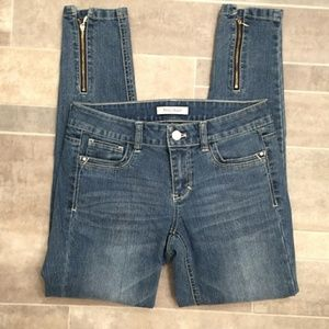 WHITE HOUSE BLACK MARKET Jeans. Size 0.